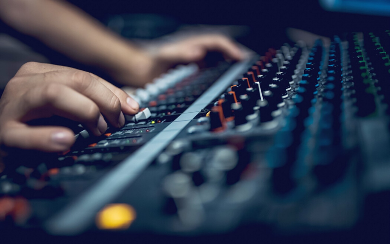 online mixing consoles